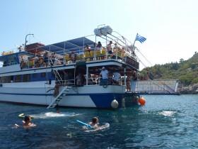 Triton Beach Cruise – Buffet